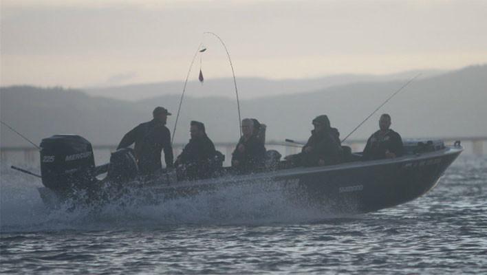 guided salmon fishing oregon coast
